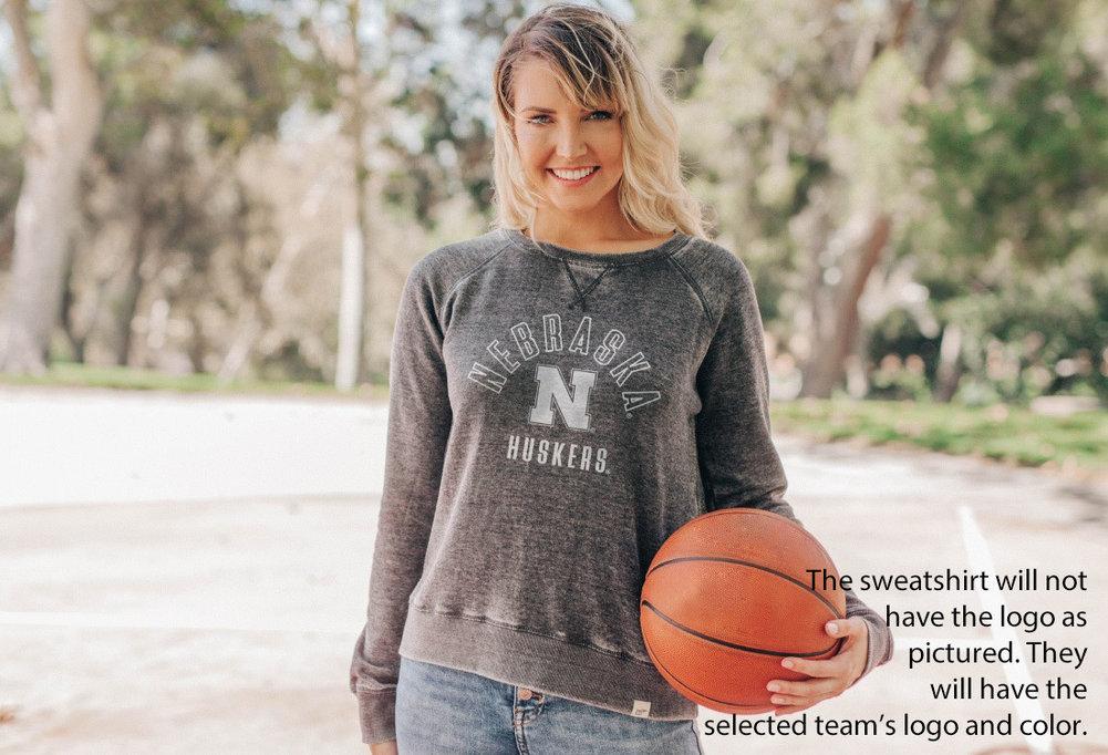 Notre Dame Fighting Irish Womens Burnout Crewneck Sweatshirt Vintage Image a