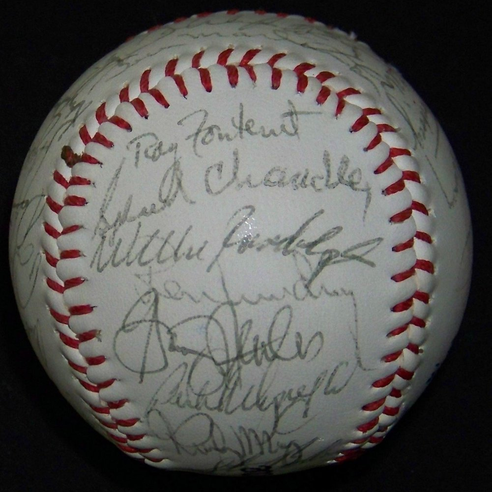 1983 Yankees Team Autographed Signed Memorabilia Ball
