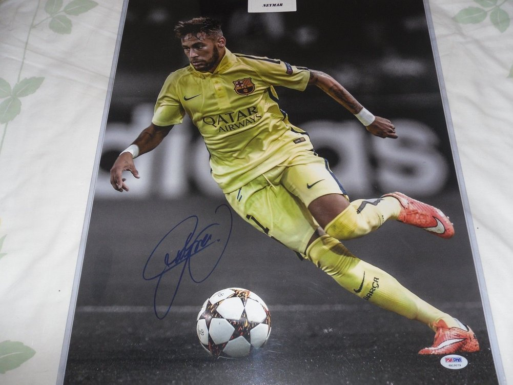 Brazil Soccer Star Neymar Autographed Signed Memorabilia 16 x 20 Photo  PSA DNA Certified. Loading Images...  526.99 Price fe1155eb2