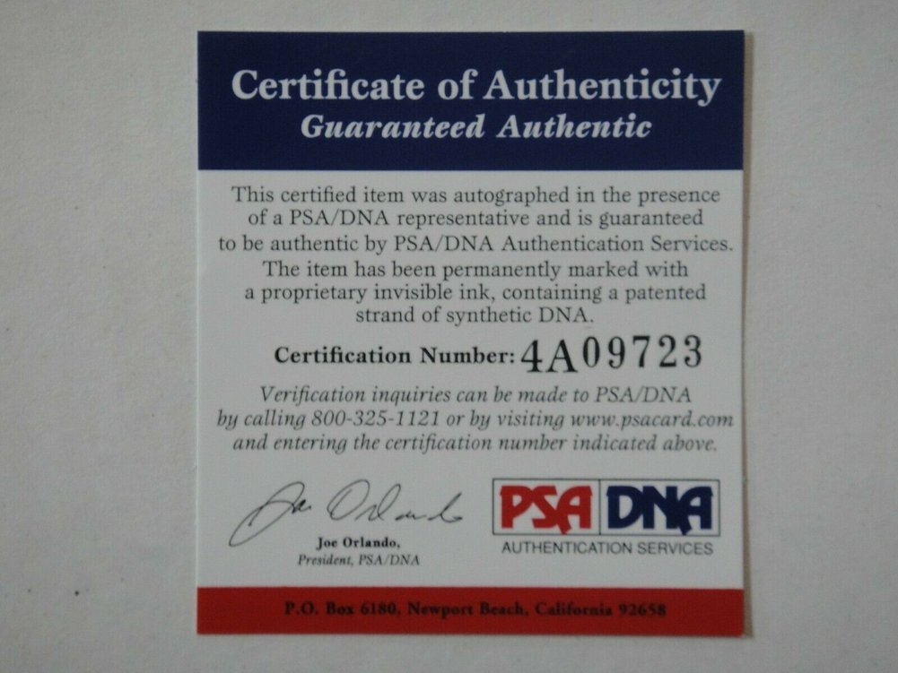Dwyane Wade Autographed Signed PSA/DNA Certified Miami Heat 16X20 Photograph Auto Authentic Image a