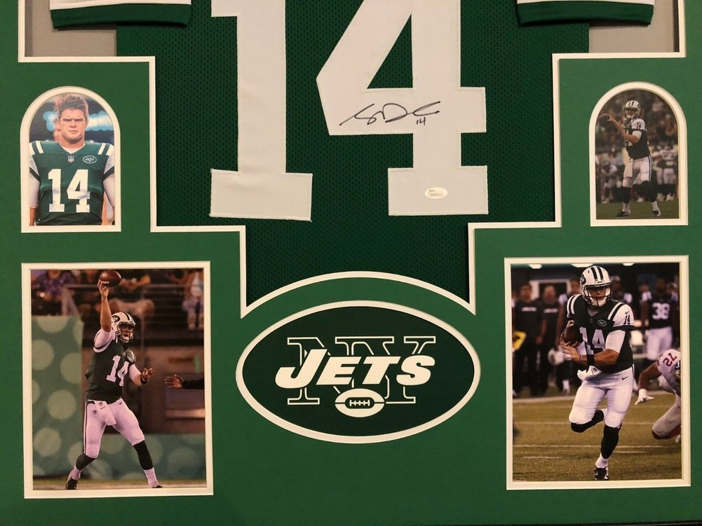 ... Framed New York Jets Sam Darnold Autographed Signed Jersey - JSA  Authentic Image a ... 0be6b54c3