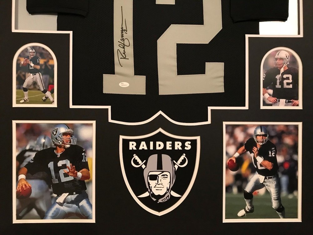 Autograph Authentication Guide for Your Sports Memorabilia