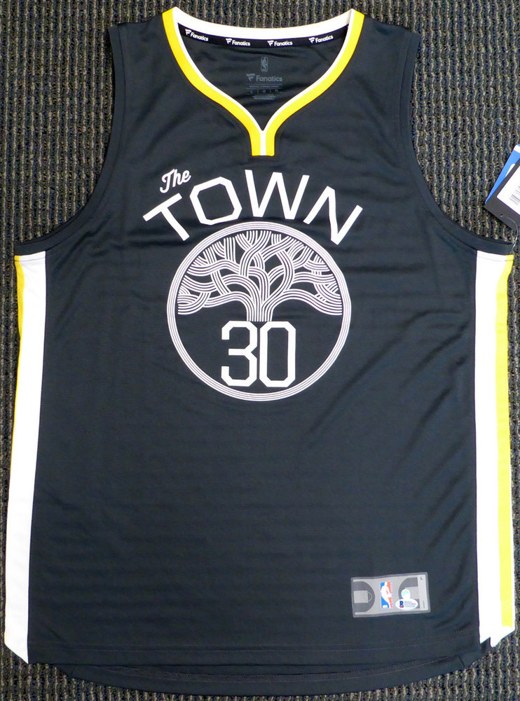 new product 2be92 a2d24 Golden State Warriors Stephen Curry Autographed Signed ...