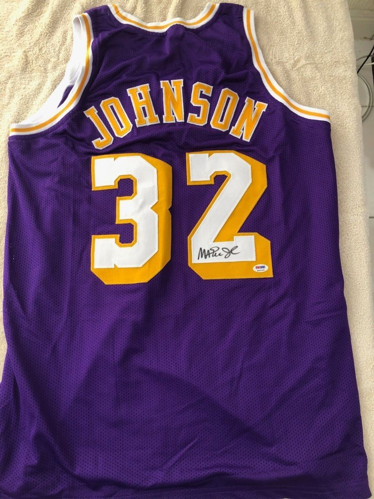 Los Angeles Lakers Magic Johnson #32 Autographed Signed