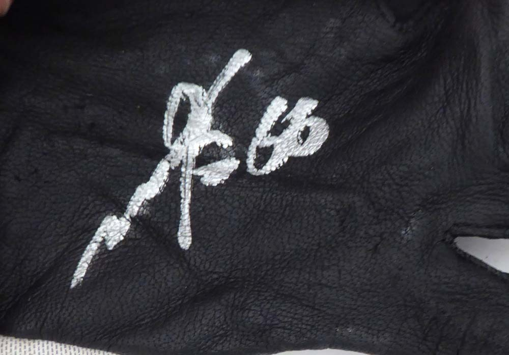 Munenori Kawasaki Autographed Signed Memorabilia Game Issued Asics Batting Gloves Toronto Blue Jays - PSA/DNA Authentic Image a
