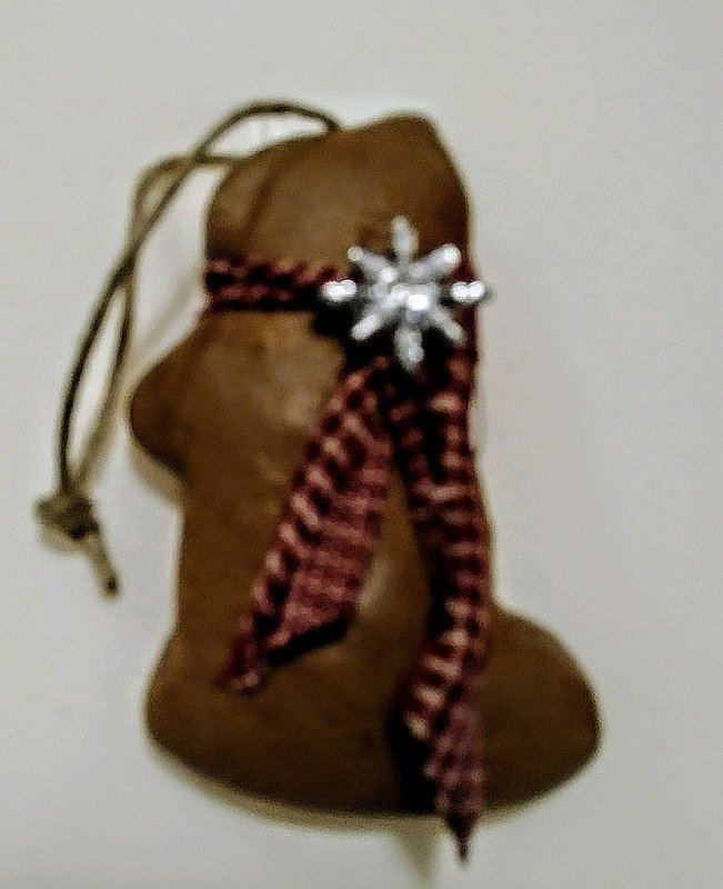 Cinnamon/gingerbread scent Groundhog Baked Ornament sku#2216