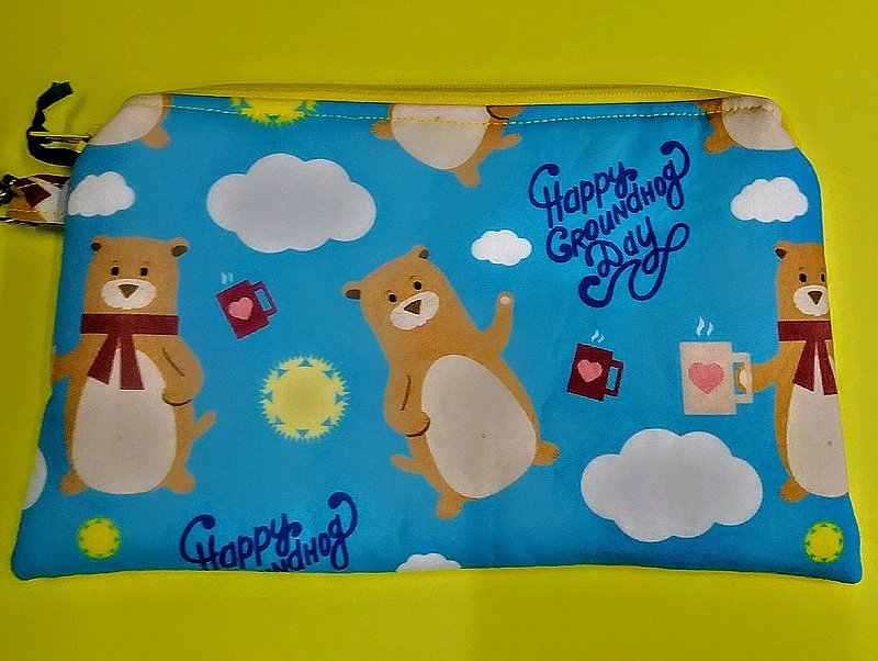 *Groundhog Print Large Pouch Sku#2116