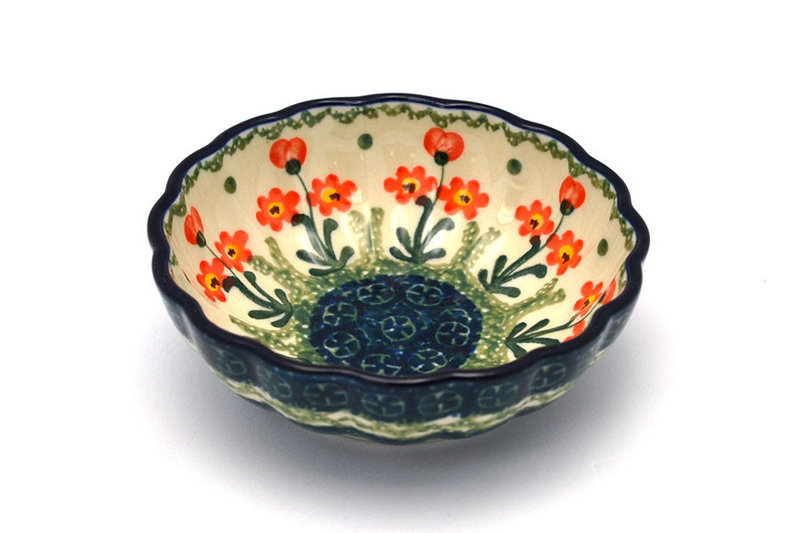 Polish Pottery Bowl - Shallow Scalloped - Small - Peach Spring Daisy