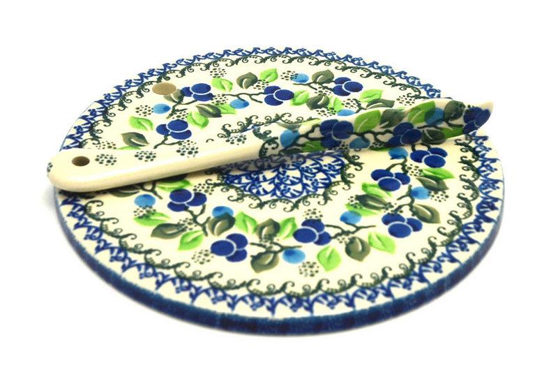 Ceramika Artystyczna Polish Pottery Cheese Board & Spreader Set - Blue Berries S56-1416a (Ceramika Artystyczna)