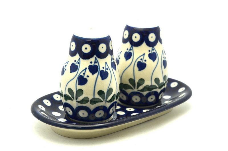 Ceramika Artystyczna Polish Pottery Salt & Pepper Set - Bleeding Heart 131-377o (Ceramika Artystyczna)
