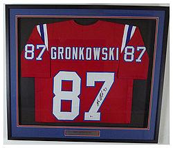 rob gronkowski autographed jersey
