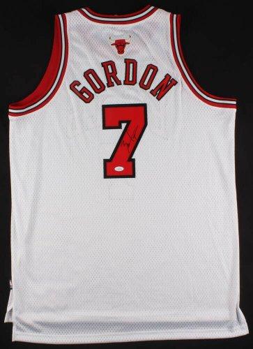 online retailer a8327 9ce73 Chicago Bulls Autographed Jerseys | Signed Jerseys