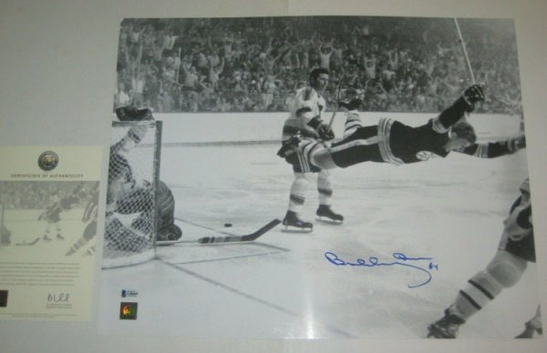 Bobby Orr Autographed Signed Boston Bruins 16X20 Photo With Beckett COA