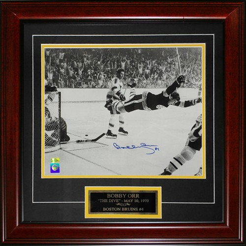 Bobby Orr Autographed Signed Boston Bruins (Flying Goal) Deluxe Framed 11X14 Photo with Nameplate - GRN Orr Holo