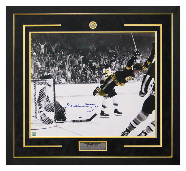 Bobby Orr Boston Bruins Autographed Signed 1970 Cup Winning Goal Spotlight 30x34 Frame