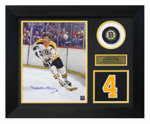 Bobby Orr Boston Bruins Autographed Signed Boston Gardens Retired Jersey Number 20x24 Frame