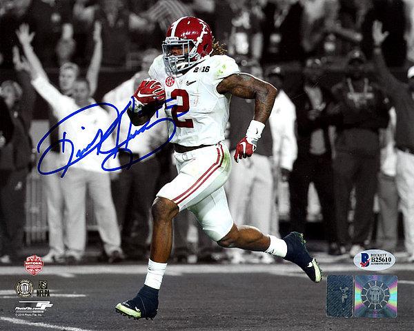 Derrick Henry Autographed Signed 8x10 Photo Alabama Crimson Tide - Beckett Authentication
