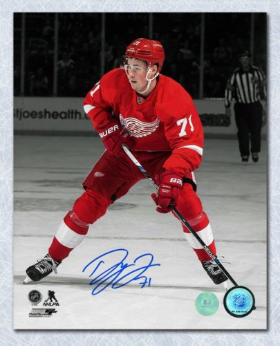 Dylan Larkin Detroit Red Wings Autographed Signed Rookie Action 8x10 Photo  - Certified Authentic e7bdf2067