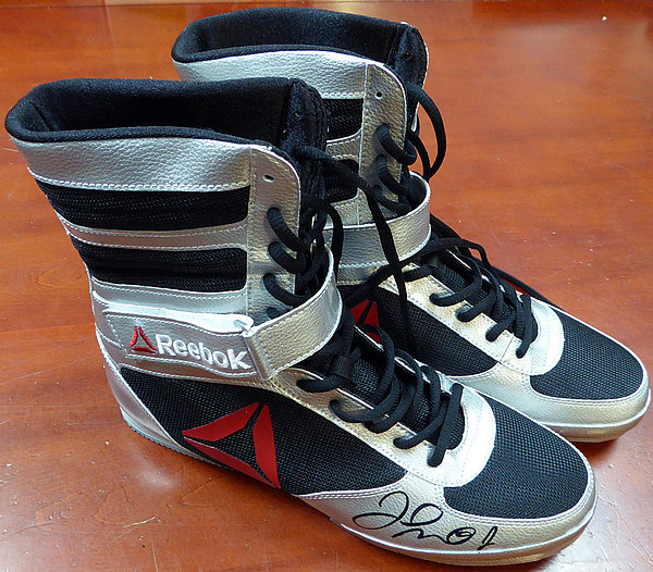 Floyd Mayweather Jr. Autographed Reebok Silver Boxing Shoes ...