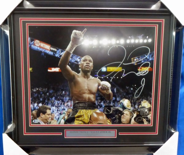 Floyd Mayweather Jr. Autographed Signed Framed 16x20 Photo Beckett BAS Stock #162399