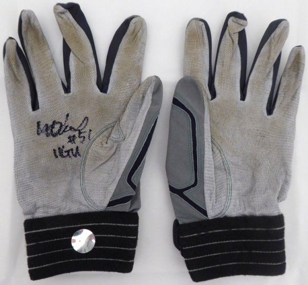 Ichiro Suzuki Autographed 2011 Game Used Batting Gloves with Signed Certificate Seattle Mariners 11 GU 156517