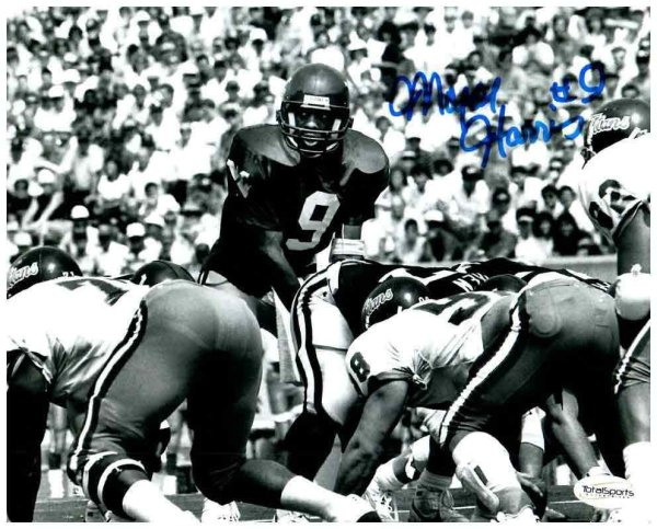 Major Harris Autographed Signed Memorabilia Black and White 8x10 Photo - Certified Authentic