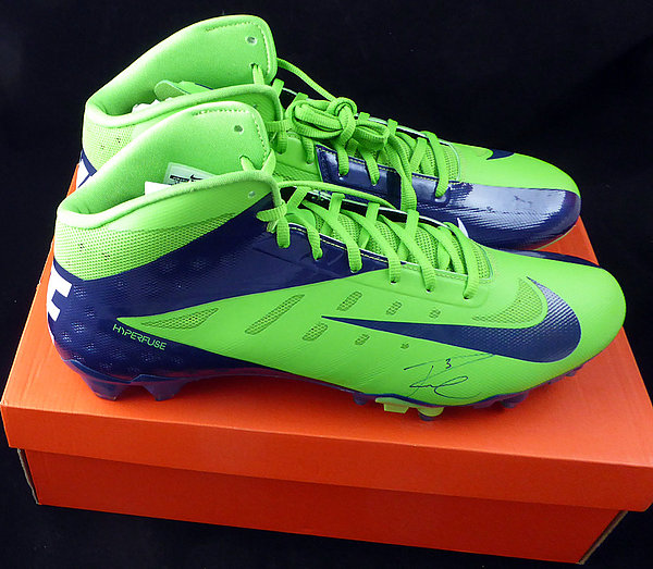 Russell Wilson Autographed Signed Nike Cleats Shoes Seattle Seahawks RW Holo - Certified Authentic124634