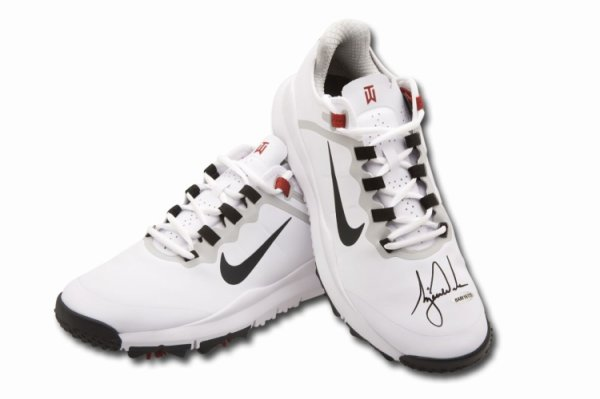 Tiger Woods Autographed Signed Autographed Golf Shoes White Nike Air Zoom Tw13 Spikes UDA
