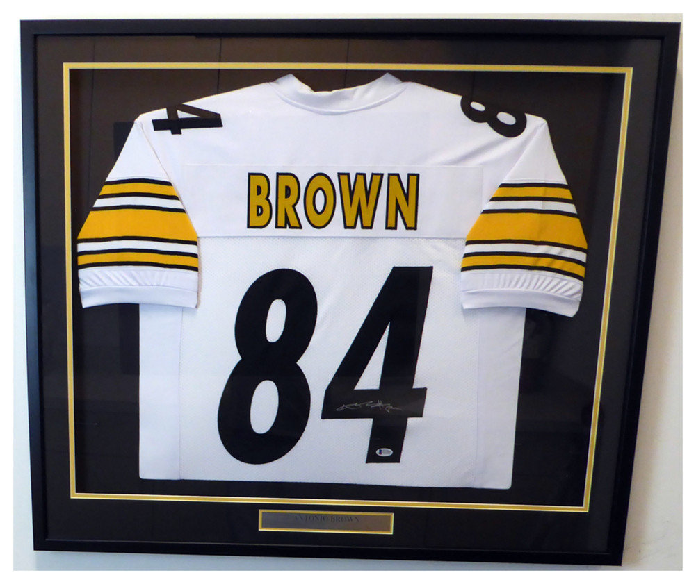 132ff124fa8 Pittsburgh Steelers Antonio Brown Autographed Signed Framed White Jersey - Beckett  Authentic